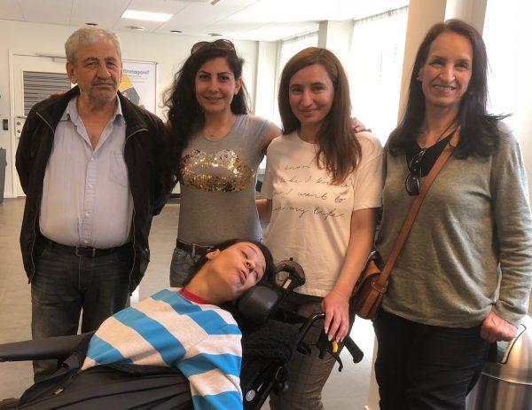 DRWs projektdeltagaren Alutis med sin familj