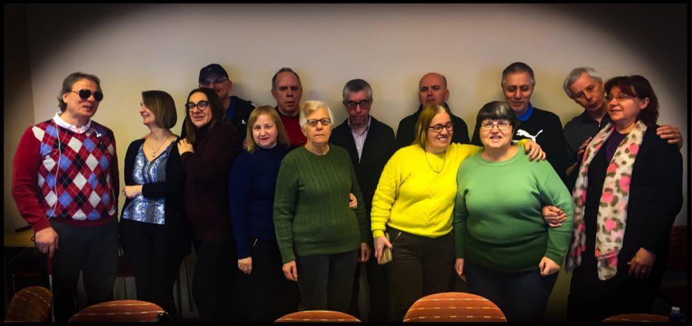 SRF medlemmar som står och poserar för bilden